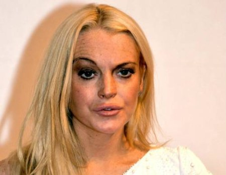 Charlie Sheen Thinks Lindsay Lohan is a Mess…..and He's Right! #ScaryMovie5Drama
