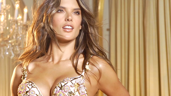 Victoria' Secret Brings the Sexy by Taping VS Fashion Show Tonight #HappyHumpDay