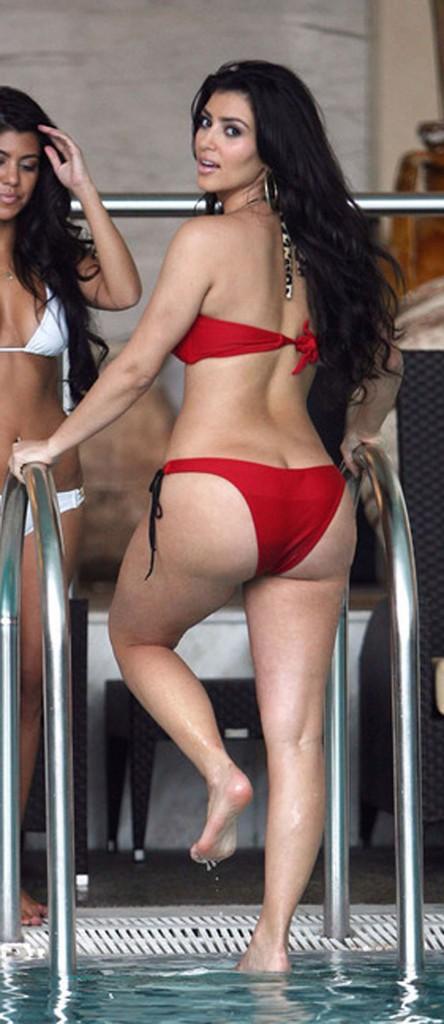 kim-kardashian-ass1-444x1024
