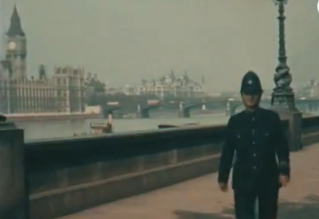 Cool Things, Rare Color Film Shows London Life in 1927 #Biocolour #NotColorized #PhotoCool#London1927