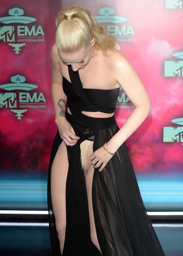 MTV EMA's - Miley's Camel Toe & Iggy Azalea Unfortunate Wardrobe Malfunction (w NSFW pic) (3/3)