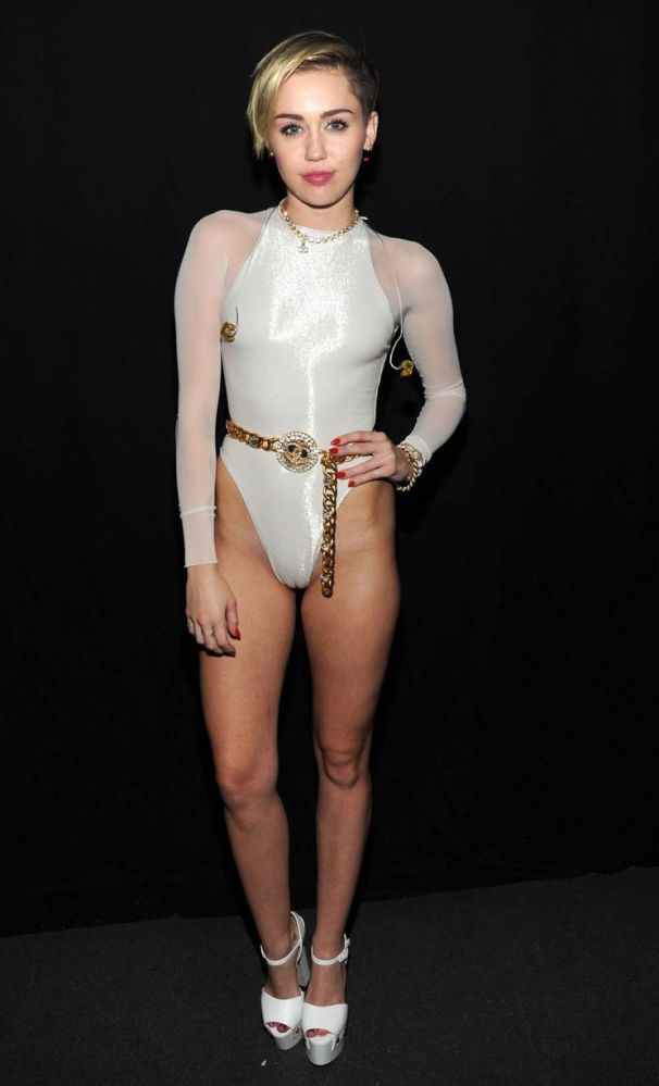 MTV EMA's - Miley's Camel Toe & Iggy Azalea Unfortunate Wardrobe Malfunction (w NSFW pic) (1/3)
