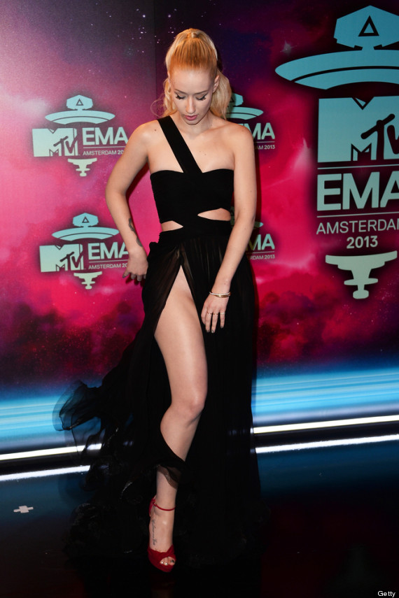 MTV EMA's – Miley's Camel Toe & Iggy Azalea Unfortunate Wardrobe Malfunction (w NSFWpic)