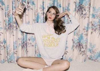 Wildfox-Summer-2017-Lauren-de-Graaf-by-Mark-Hunter-10