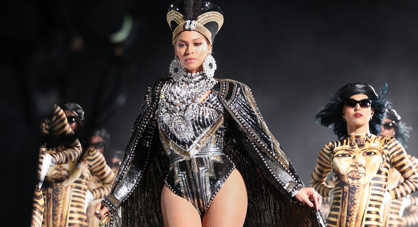 beyonces-coachella-balmain-costumes-are-concert-fashion-inspiration-for-every-great-performer